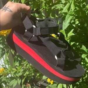Platform Teva sandals